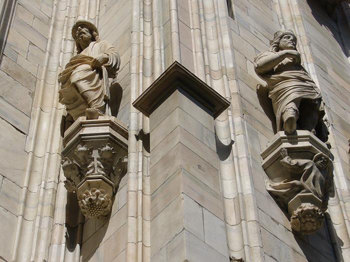 Quali statue si nascondono tra le guglie del Duomo?