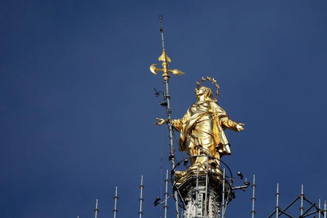 La Madunina di Milano. Secoli di appartenenza con il più famoso dei simboli lombardi