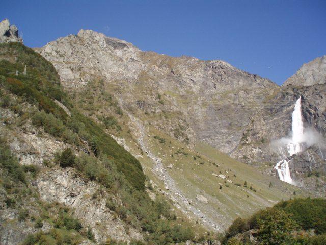 Le più belle cascate nei dintorni di Milano e in Lombardia