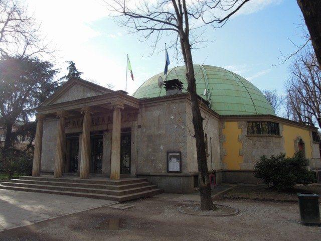 Planetario Ulrico Hoepli. 87 anni tra le stelle