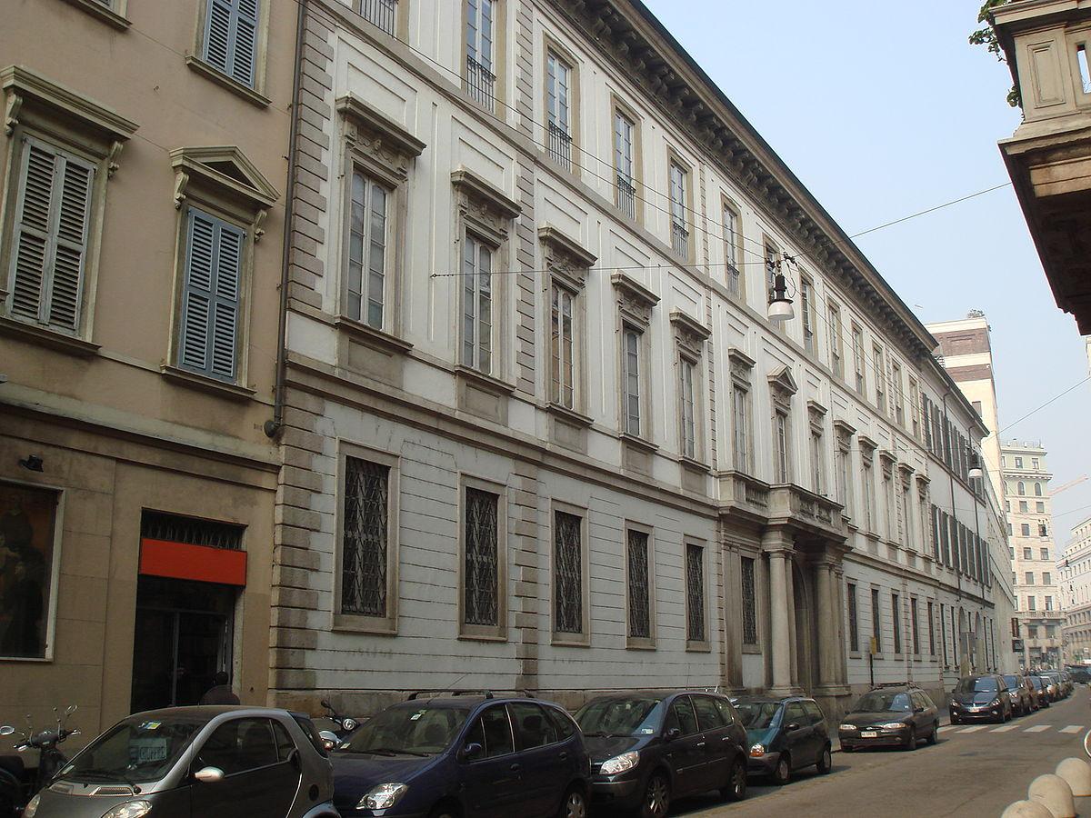 Via San Maurilio Milano milano, palazzo greppi: un nome solo per due edifici diversi