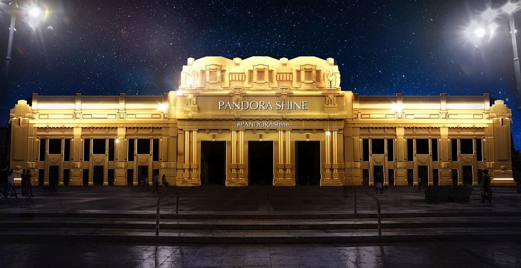 La stazione Centrale di Milano splende con Pandora!