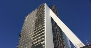 Torre Fondazione Prada apre il 20 aprile 2018, firamta da Rem Koolhaas [fonte immagine urbafile.org]