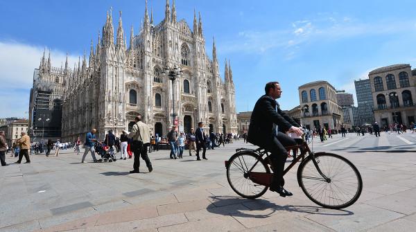 Milano in bici: ecco 5 itinerari ciclistici per godersi la città e mantenersi in forma