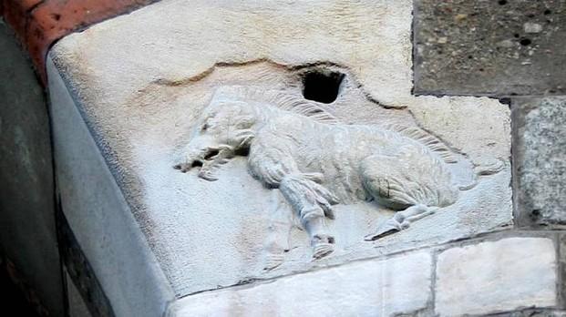 Altro che biscione, il simbolo della città di Milano è la scrofa semilanuta