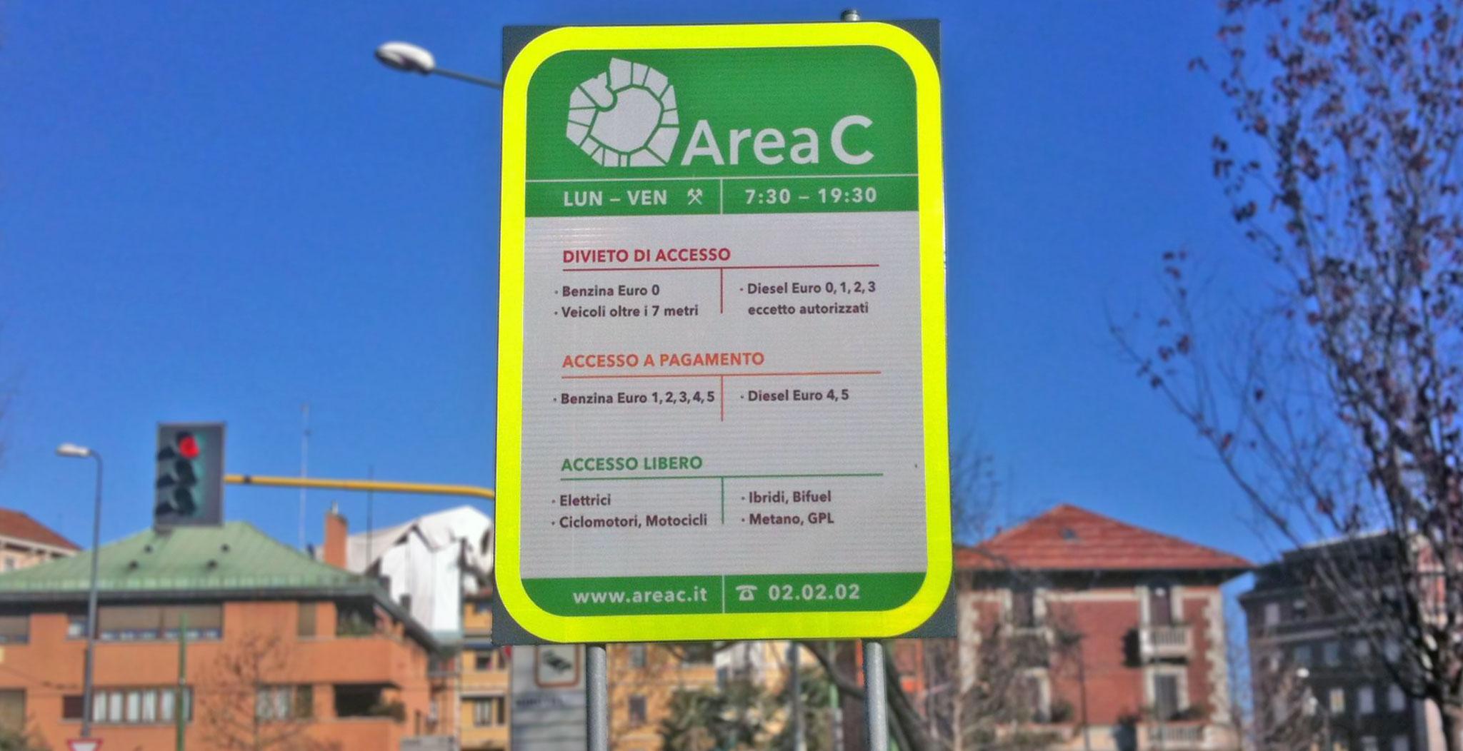 Area C a Milano, dal 2019 ingresso a pagamento per le auto ibride